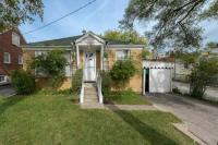 AT WARDEN/LAWRENCE 3 BED HOUSE WITH BASEMENT APARTMENT! FOR SALE