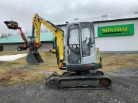 2012 WACKER NEUSON 28Z3 EXCAVATOR – WITH CAB, BUCKET AND VERTICA  for online ads Canada.