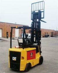 Caterpillar EC30N2 Electric Forklift on online ads Canada