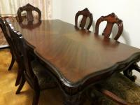 BEAUTIFUL SOLID WOOD DINING TABLE SET WITH 6 CHAIRS