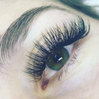 Eyelash Extensions by a Certified Eyelash Tech