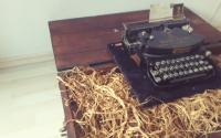 Vintage Antique Typewriter | TZ4NWW247