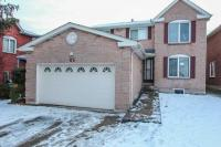 Close To Mississauga Border Approximately 2300 Sq Feet Gorgeous